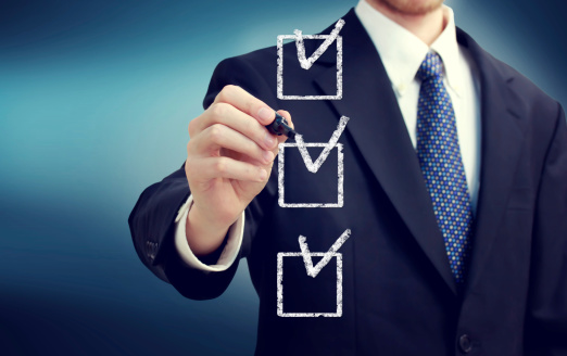 A Daily LinkedIn Checklist for Financial and Insurance Advisors